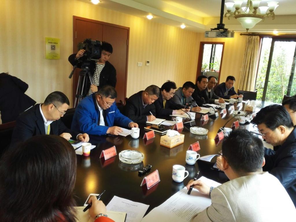 长沙市委常委、副市长张迎春一行莅临山河智能考察调研