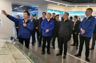 中国联通党组书记、董事长王晓初到访山河智能