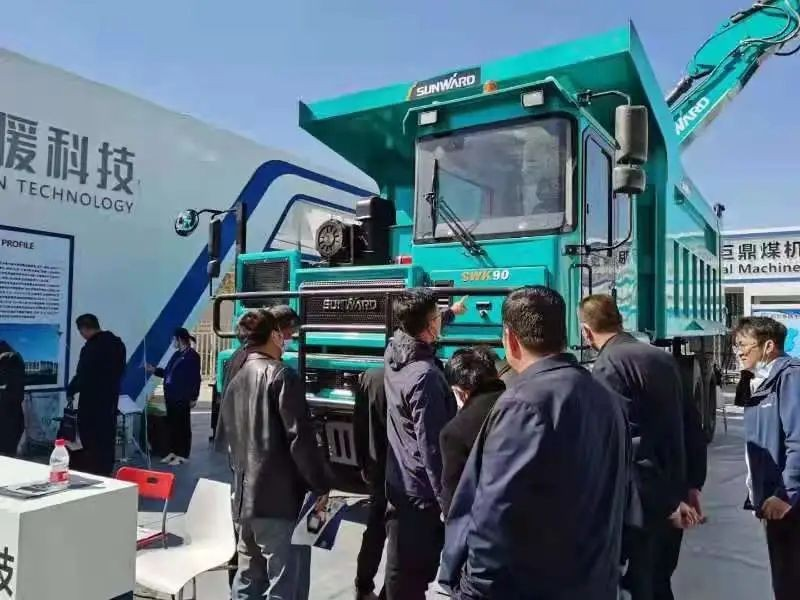 山河智能绿巨人闪亮登场鄂尔多斯国际煤博会