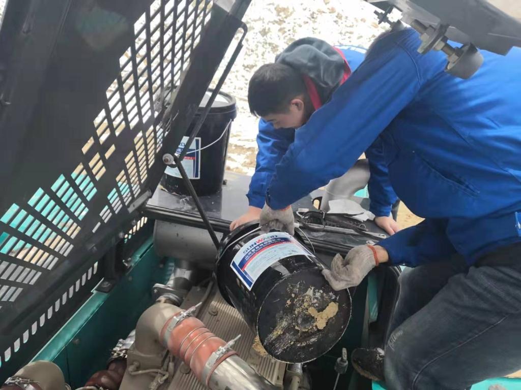 山河智能470挖机成功挑战世界屋脊